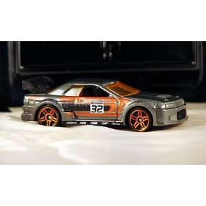 2010 Hot Wheels Mystery Cars NISSAN SKYLINE grey w orange