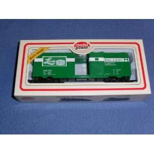 Model Power Freight Car . . . Linde Union Carbide . . . HO