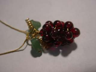ANTIQUE 14K SOLID GOLD CHAIN AND PENDANT ,GARNET BEADS AND HEART JADE