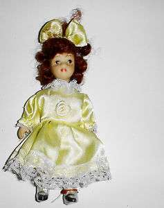 Little Freckle Face Girl Doll Yellow Dress & Brown Hair 5 #69