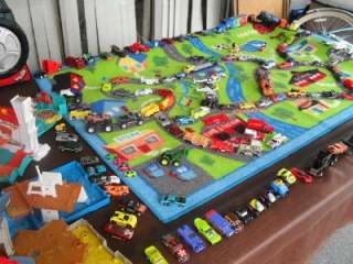 HUGE LOT OF 125 CARS HOT WHEELS 5 MATCHBOX PLAYSETS SOUNDS CASE LARGE