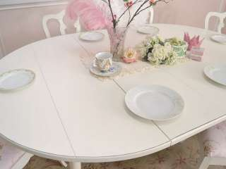 8458   Gorgeous White Oval Dining Table with 2 Leaves and Wings