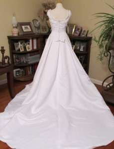 amour White Bridal Wedding Gown Sample Dress Size 8 $399 style no