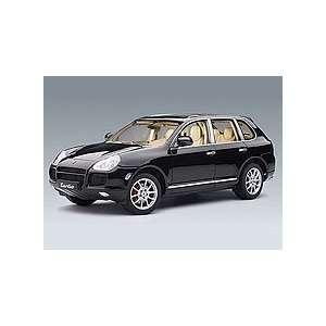 Porsche Cayenne Turbo Black Diecast Car 1/18 Autoart: Toys