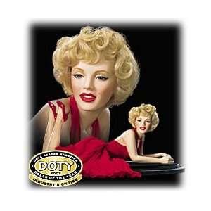 Marilyn Monroe Porcelain Portrait Doll   Forever Marilyn