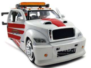 MAISTO WRECKER ELITE TOW TRUCK 125 CREAM/RED