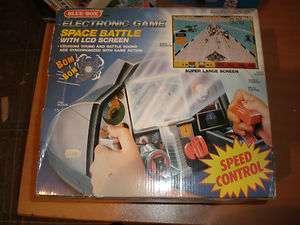VINTAGE SPACE BATTLE BLUE BOX MIB ELECTRONIC GAME LARGE SCREEN