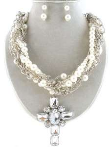 CHUNKY WESTERN LAYERED PEARL CLEAR CROSS NECKLACE SET