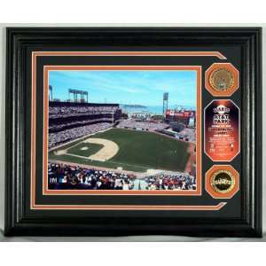 SAN FRANCISCO GIANTS AT&T Park Authentic Infield Dirt GOLD COIN