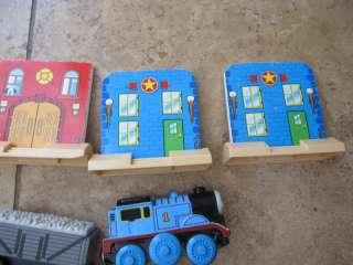 WOOD PLASTIC 9 PS FRONT HOUSE THOMAS Train AIRPLANE Vtg