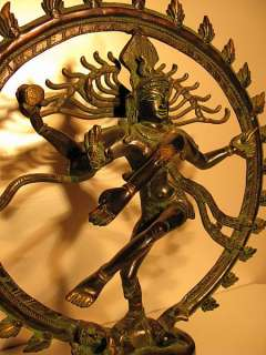 shiva est encore paśupati sous cet aspect il protege le