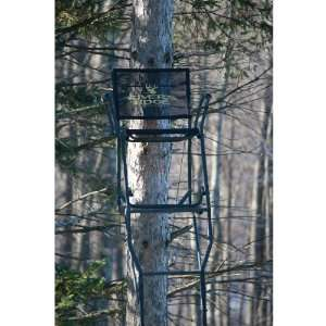 Rivers Edge 17 Oasis 1   man Ladder Stand