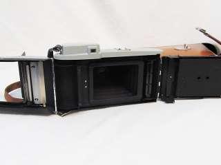 Vintage Polaroid Model 80 Highlander Land Camera   Excellent Condition