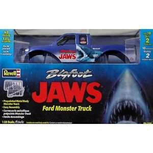JAWS Ford Monster Truck 1/25 Scale Metal Model Kit Toys & Games